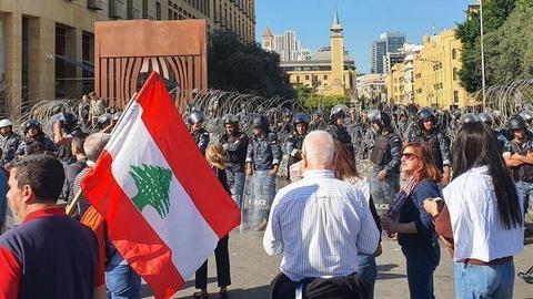1606467664 5676263 854 481 4 2 - كيف أصبحت المصارف اللبنانية منفذ النظام السوري لتجنب العقوبات الدولية؟