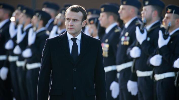 الإمارات تدافع عن الرئيس الفرنسي إيمانويل ماكرون أمام حملة الانتقادات التي يتعرض لها