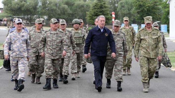وزير الدفاع التركي خلوصي أقار يقول إن الجيش الأذربيجاني أظهر قوته للعالم بأسره بتحريره إقليم قره باغ
