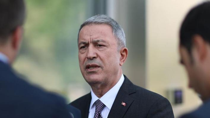 وزير الدفاع التركي يعلن استعداد القوات البرية للذهاب إلى أذربيجان