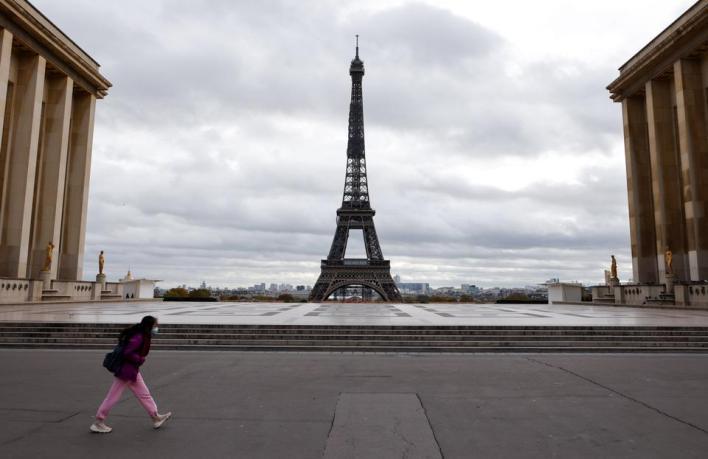 الحكومة الفرنسية أعلنت إجراءات الإغلاق التام ابتداء من الجمعة 30 أكتوبر/تشرين الأول الماضي لتفادي الارتفاع السريع في أعداد الإصابات