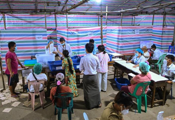 مقرر الأمم المتحدة المعني بحقوق الإنسان في ميانمار قال إن الانتخابات لا يمكن أن تجري في ظل قوانين تقوض الديمقراطية