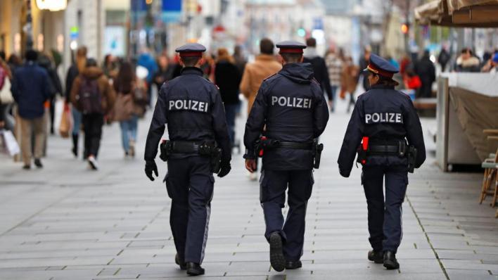 النمسا تداهم نحو 60 موقعاً في 4 مدن مختلفة تزعم أنها كيانات تابعة للإخوان وحماس بدعوى مكافحة الإرهاب