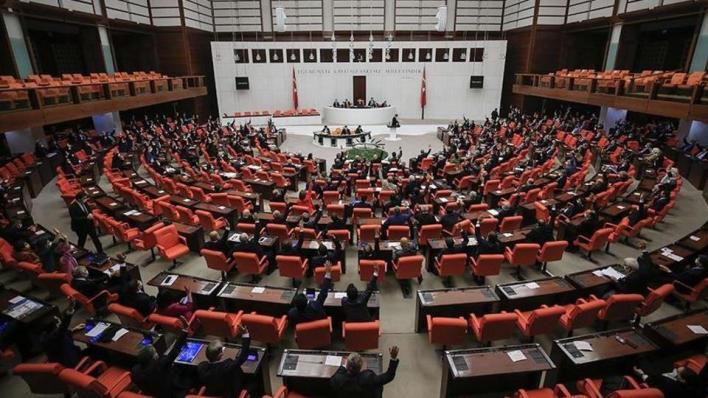 أغلبية أعضاء البرلمان التركي تُصوِّت بالموافقة على مذكرة أرسلتها الرئاسة لإرسال قوات إلى أذربيجان