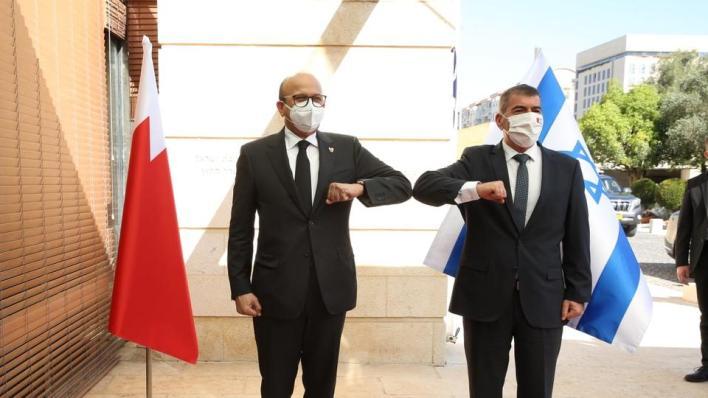 قال وزير الخارجية البحريني عبد اللطيف الزياني إنه تقدم بطلب رسمي إلى الحكومة الإسرائيلية لفتح سفارة في إسرائيل
