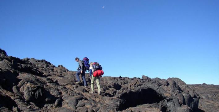 121 172126 world top most active volcanoes 2 - أخطر وأغرب 5 براكين نشطة في العالم بالصور ومغامر يغوص في أعماق بركان ثائر بالفيديو