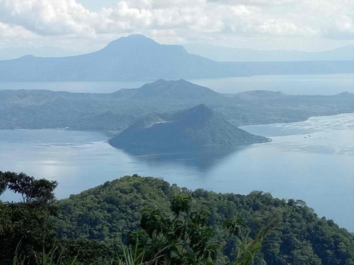 121 172128 world top most active volcanoes 6 - أخطر وأغرب 5 براكين نشطة في العالم بالصور ومغامر يغوص في أعماق بركان ثائر بالفيديو