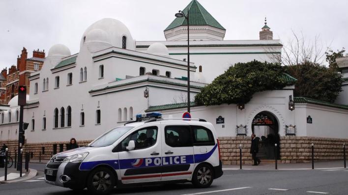 منذ وصول ماكرون إلى الحكم أغلقت فرنسا43 مسجداً
