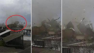 صورة شاهد بالفيديو لحظة وقوع عاصفة مخـ.ـيفة أدت إلى تطاير الأسقف في ولاية بورصة