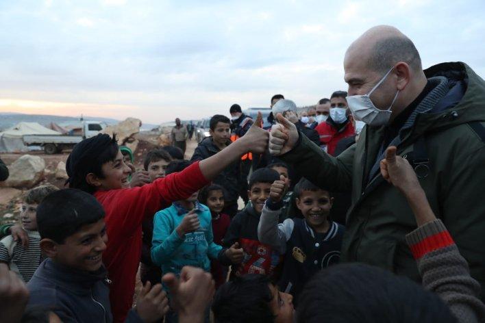 EqqhG35XMAIOylo - صويلو سليمان وزير الداخلية التركية في ثالث زيارة له الى سوريا