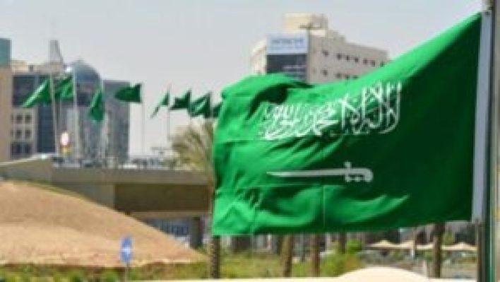 في السعودية 300x169 - السعودية تعلن عن بدء تطـ.ـبيق قرار جديد على العمالة الوافـ.ـدة