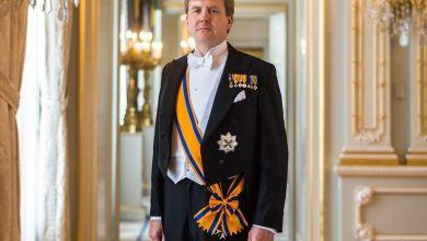 صورة إرسال رسالة خاصة من زوجين سوريين لملك هولندا والملك يستجيب!..