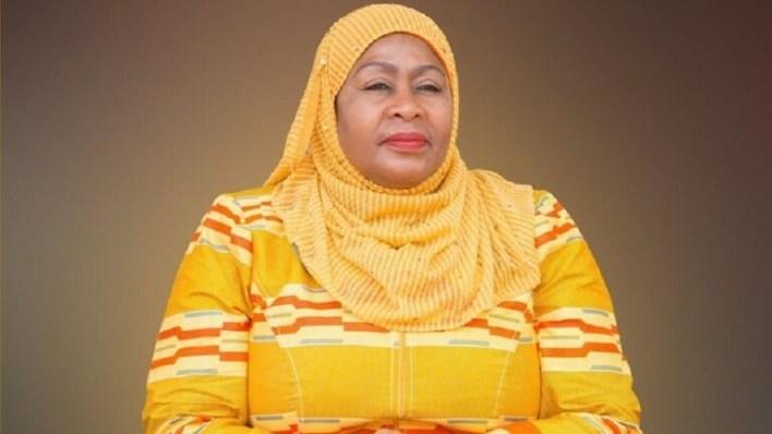 60534ff6423604664e5539c7 - تعرف على أول رئيسة إفريقية مسلمة ومحجبة
