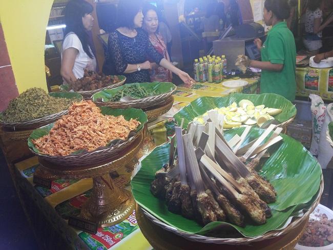 Nasi Campur Bali.. (foto: koleksi pribadi)