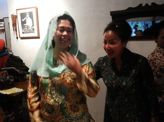Yeni Wahid, tamu yang mengejutkan (foto koleksi pribadi)