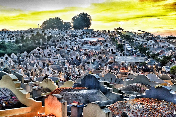 Jelang Pagi di Pekuburan Sentosa (foto dokpri)