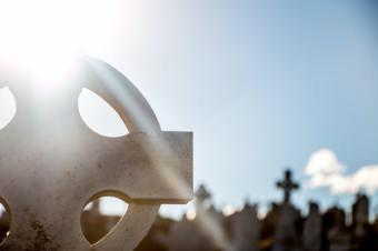 Прибирання місць поховань