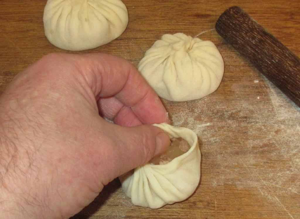 Folding the Xialongbao