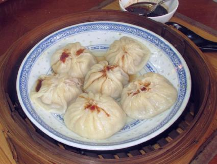 A Plate of freshly steamed Xialongbao