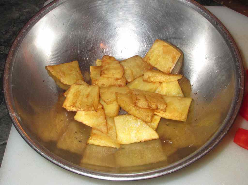 Pre-frying the Pineapple