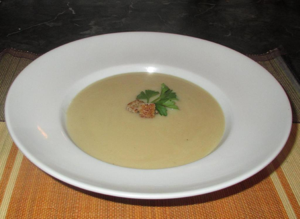 Vichyssoise - Cold Leek and Potato Soup