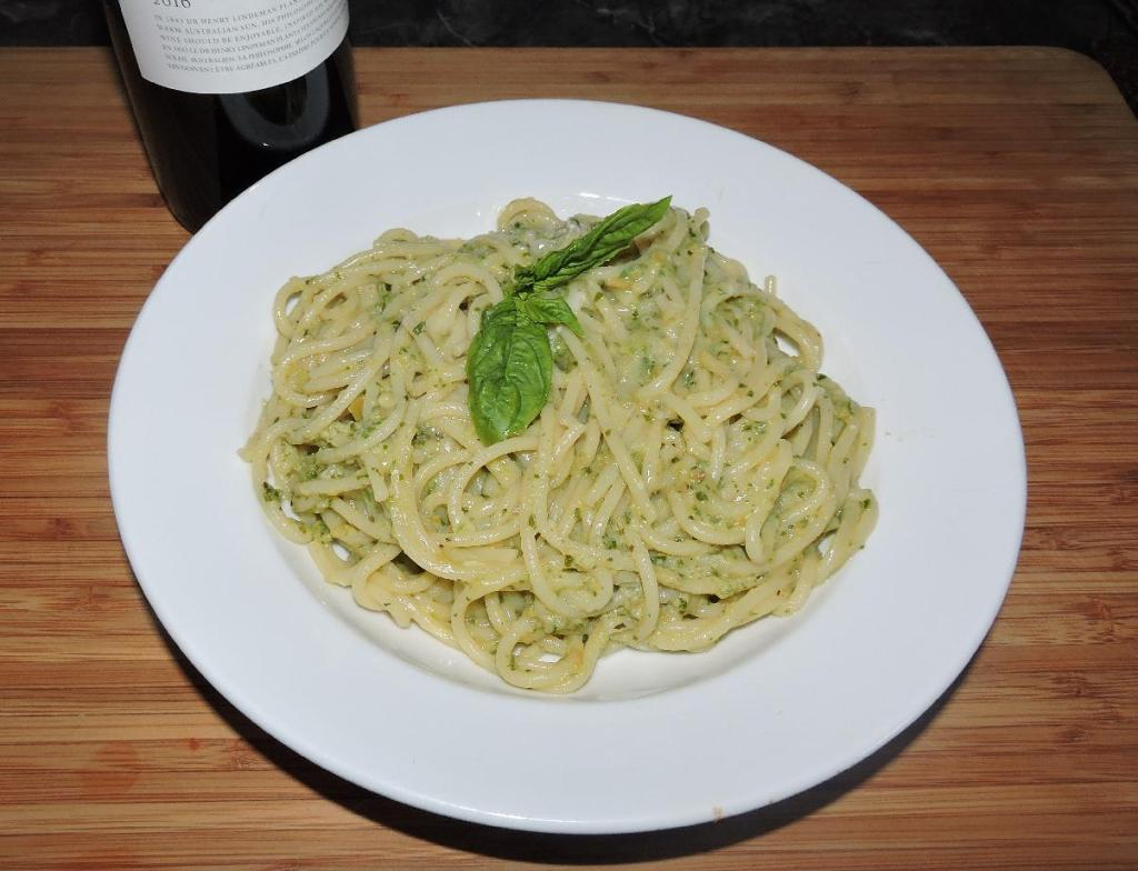 A dish of Spaghetti in a Pesto Piccante Pasta Sauce