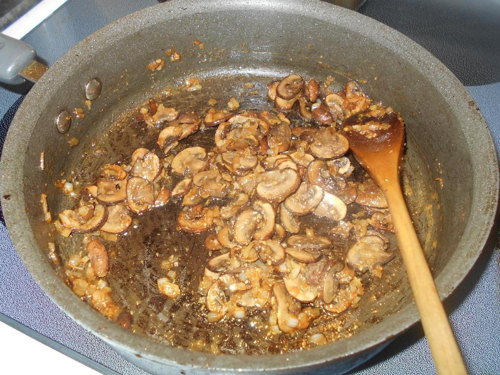Cooking Flour with Mushrooms for thickening a Braising Sauce