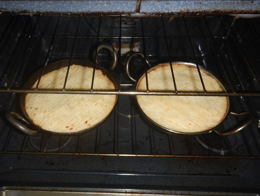 Baking a pair of Keema Pies
