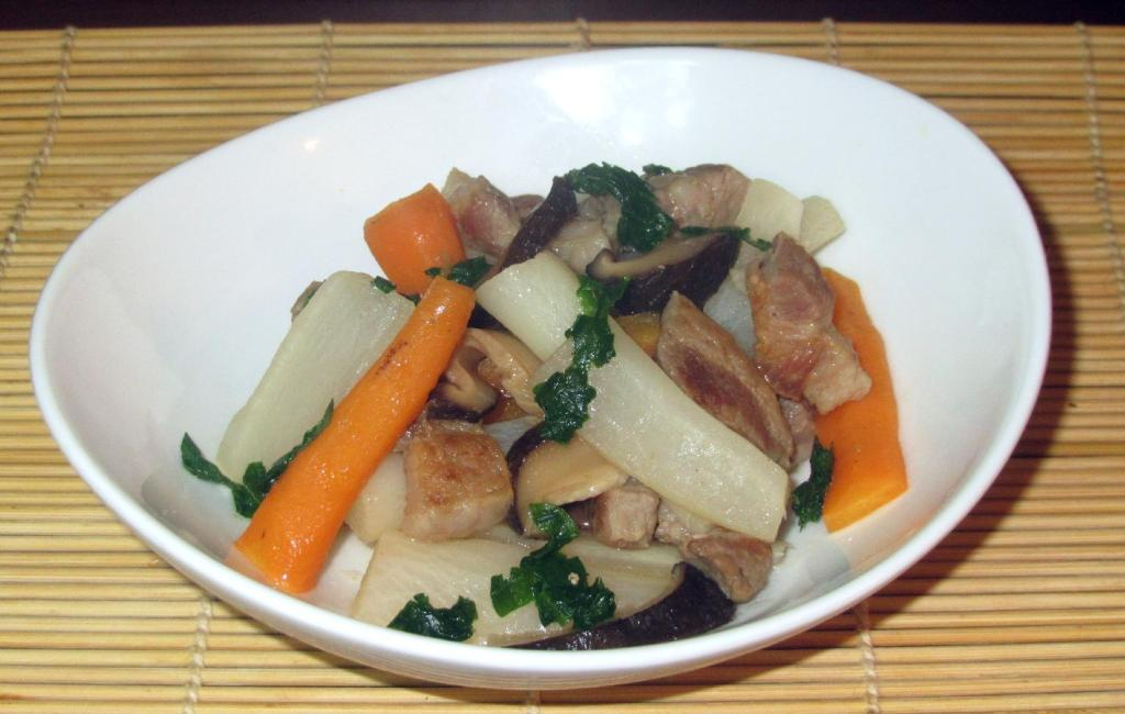 A Nimono of Pork and Daikon