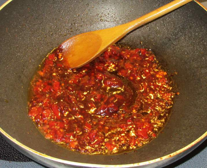 Making the sauce for a Westernized Kung Pao dish.