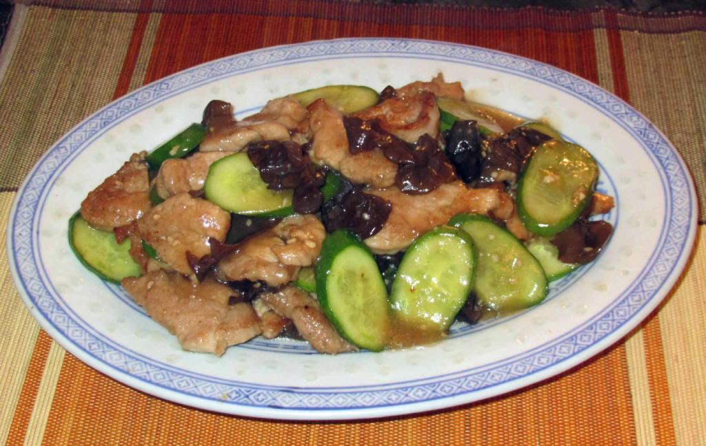 Pork with Tree Ears and Cucumber