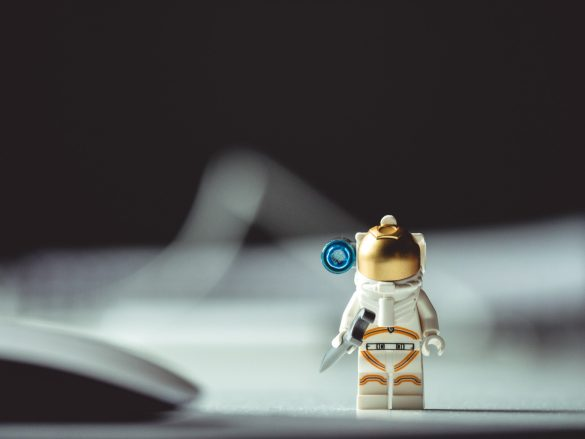 Micro astronaut lego