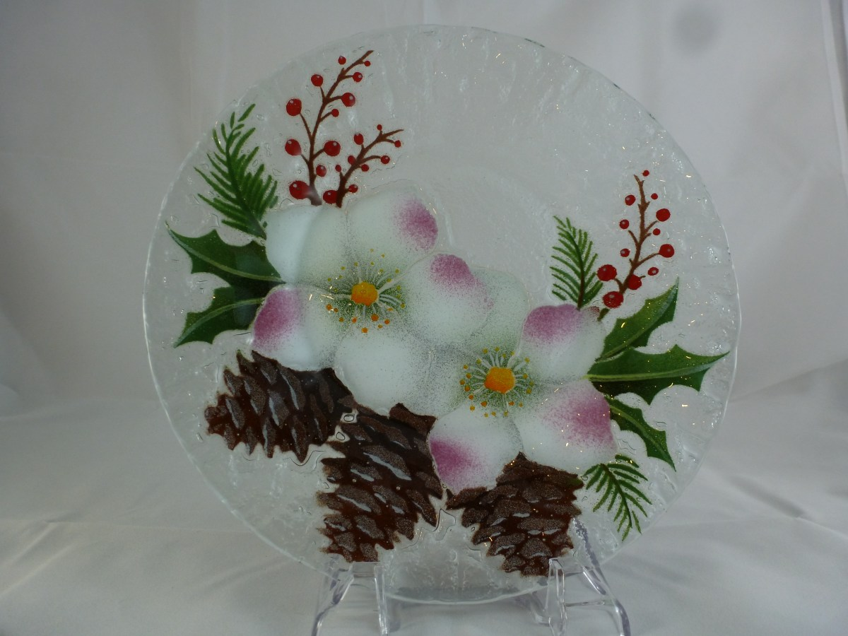 2016 Christmas Rose with Pine Cones