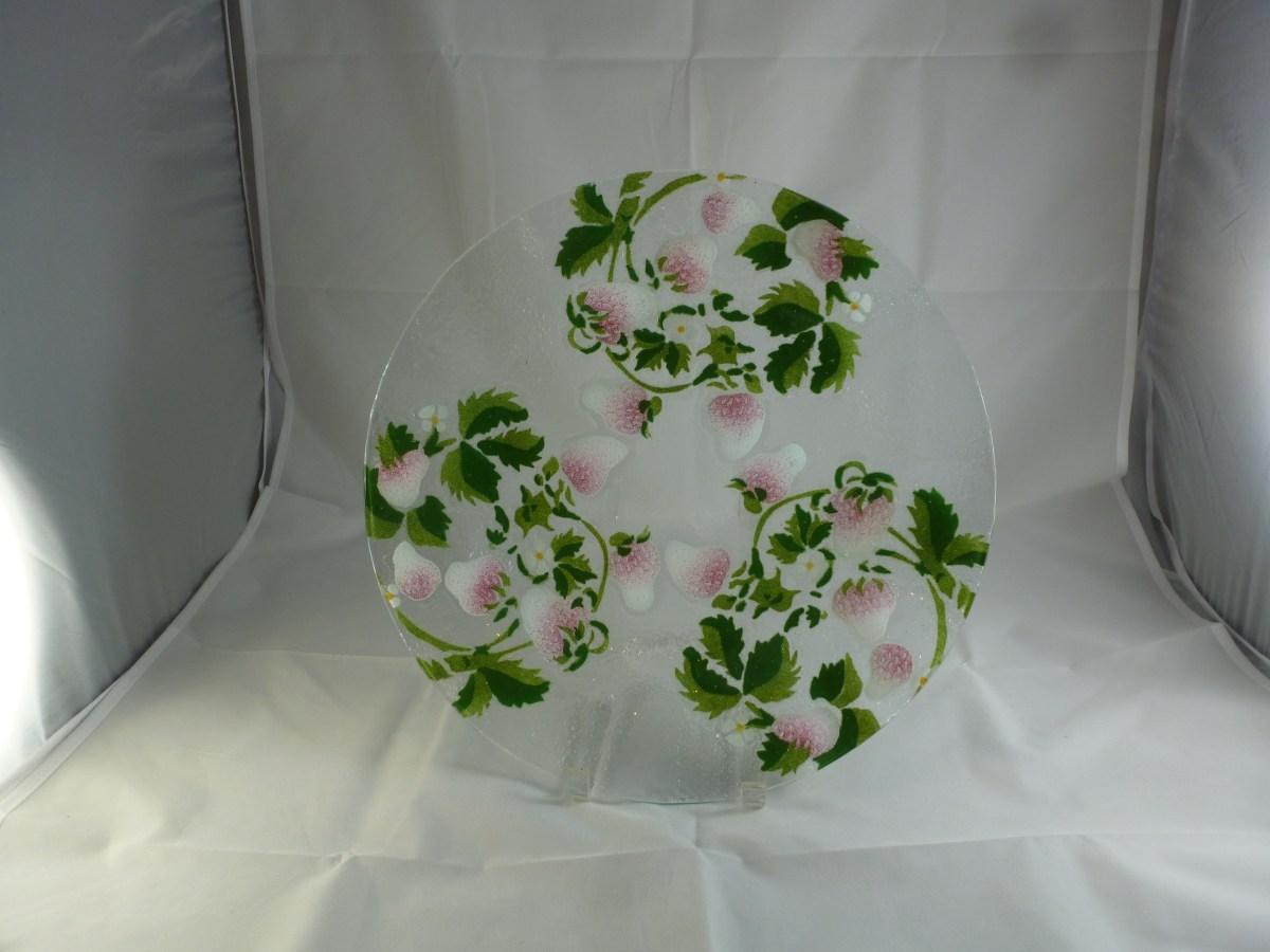 Pink Strawberry Wavy Cake Plate