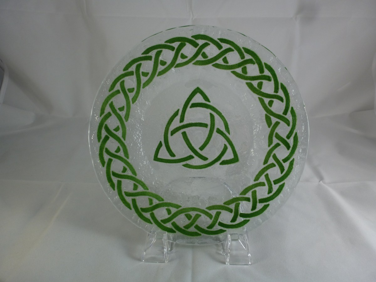 Celtic Trinity Knot Luncheon Plate