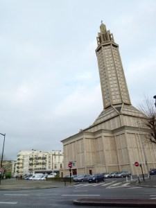 """L'hôtel """"Vent d'Ouest"""" au pied de l'église Saint-Joseph"""