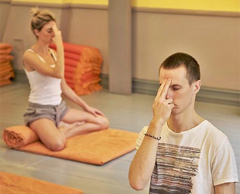 Undervisning i yoga och meditation