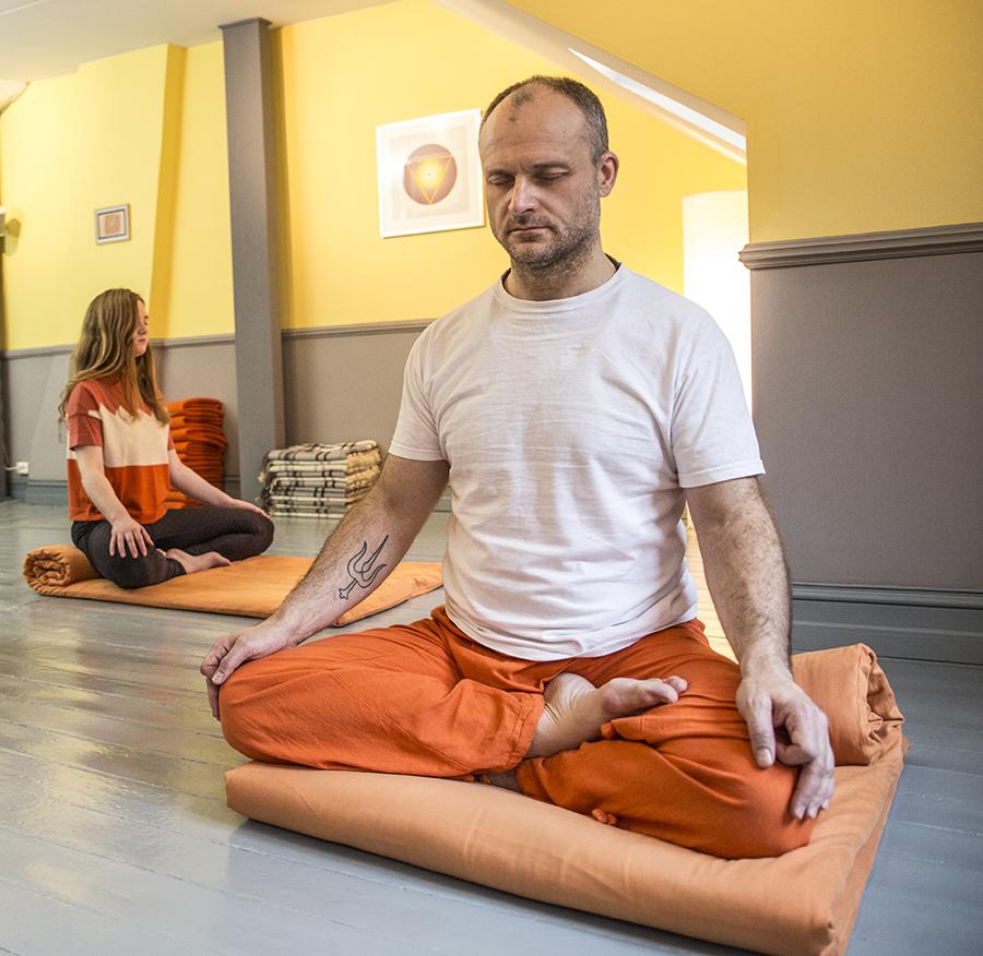 Prova på yoga och meditation