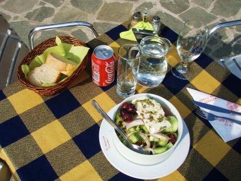 Gresk salat hører med til et hvert måltid!