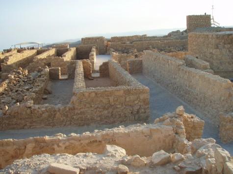 I underkant av 1000 mennesker bodde der oppe, da romerne kom.