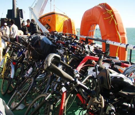 Alle sykler plassert trygt paa dekk!