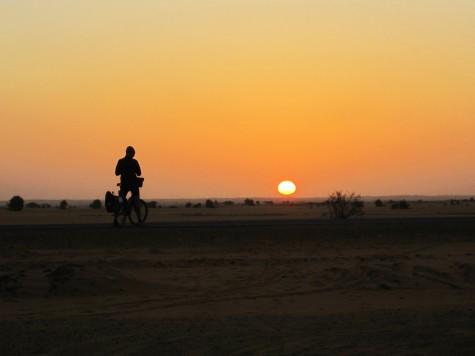 Flott solnedgang over den sudanske ørken!