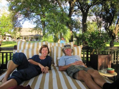 Vi tar hviledagene på alvor! Her slapper vi av ved hotellet Livingstone Royale!