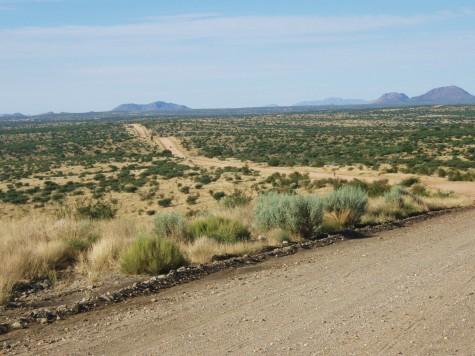 Ut på grusvei i det namibiske høylandet!