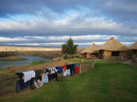 Hviledag i hyttegrend på namibisk side av grenseelva!