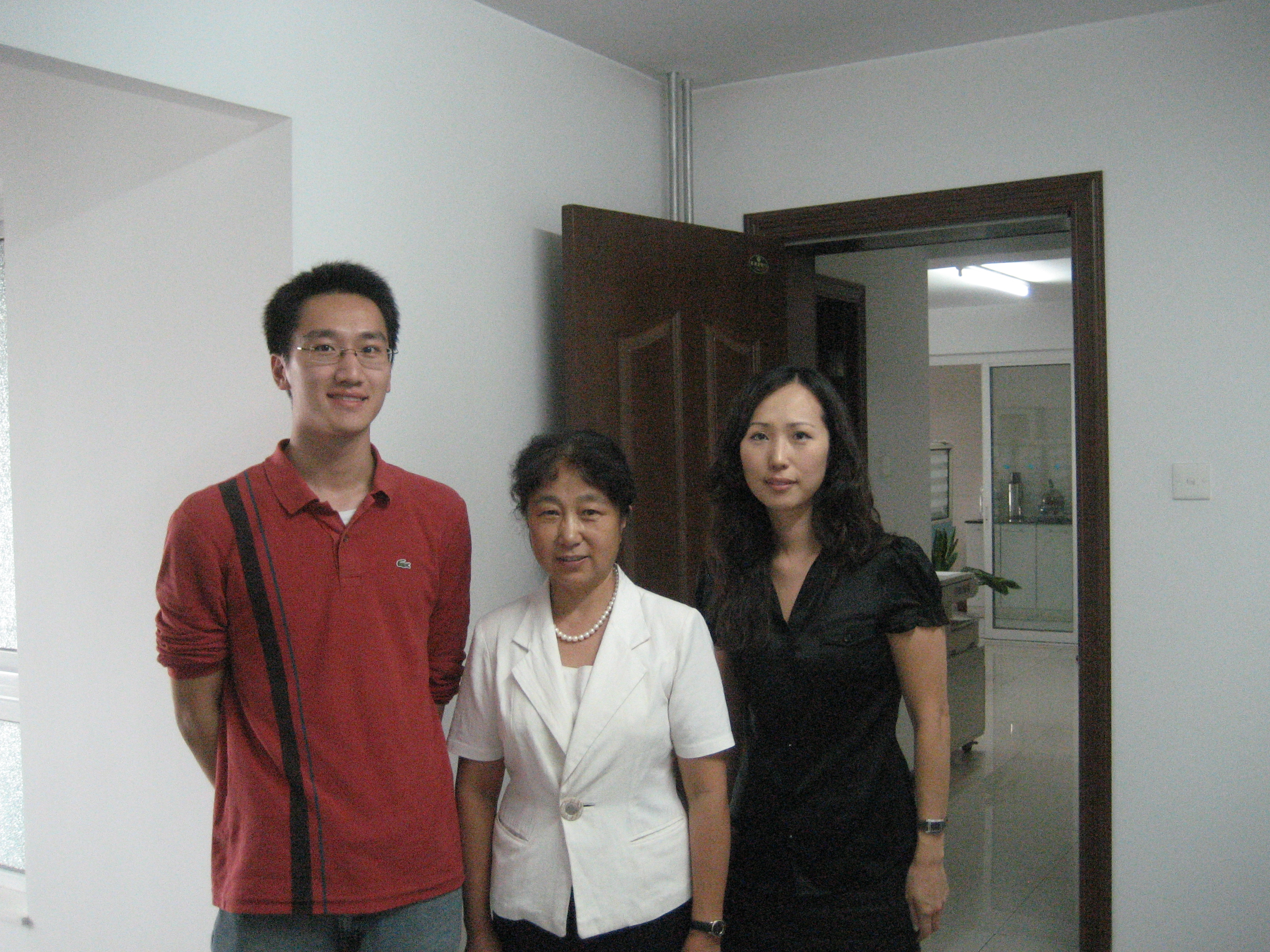 Lawyer extraordinaire, the selfless Ms. Kang Jian, is one of my heroes (center in white). She continues to fight for the rights of Chinese 'comfort women' survivors despite the roadblocks in Japan's courts. (Left - Eric the ABC intern at a Chinese NGO)