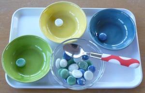 trier et verser en Montessori