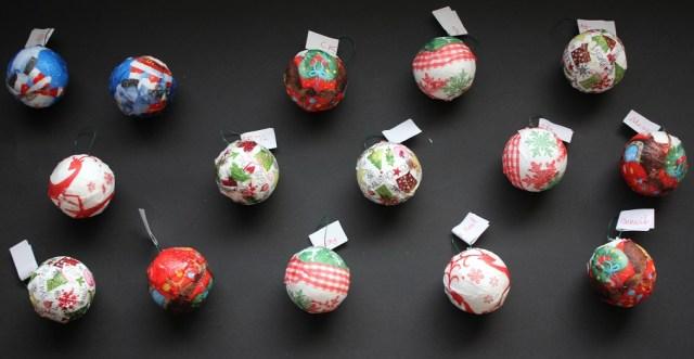 Les boules de Noël.