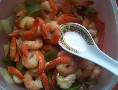 crevettes et cuillère