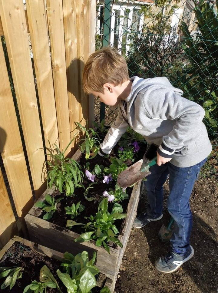 Les enjeux écologiques expliqués aux enfants